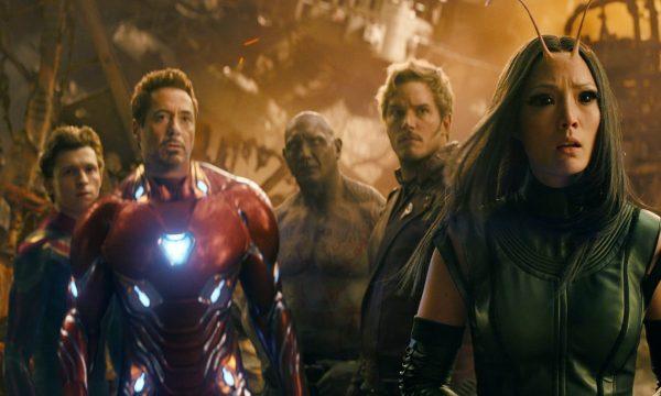 "Roteiristas de ""Vingadores: Guerra Infinita"" explicam final chocante do filme: ""Faríamos tudo de novo"""