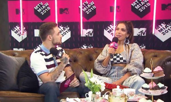 """Anitta ensina português para Liam Payne em entrevista: """"Meninas, sigam lacrando"""", assista!"""