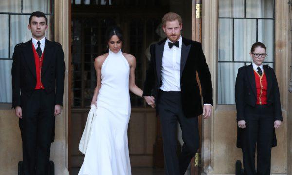 Vestido do casamento de Meghan Markle é vendido por estilista e ganha nova cor, afirma revista