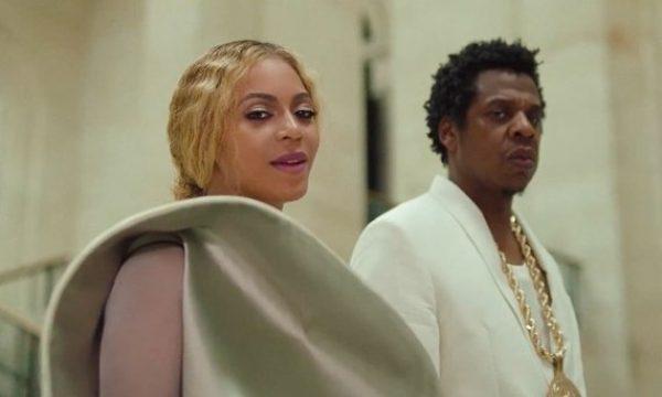 Museu do Louvre cria roteiro inspirado em videoclipe de Beyoncé e Jay-Z: 'APES**T'!