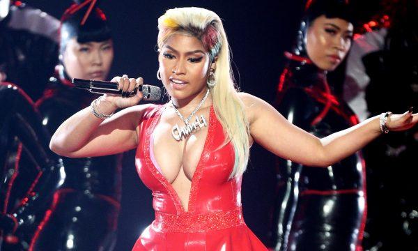 """BET Awards 2018: Nicki Minaj arrasa na sensualidade em performance de """"Chun-Li"""", """"Rich Sex"""" e """"Big Bank"""""""