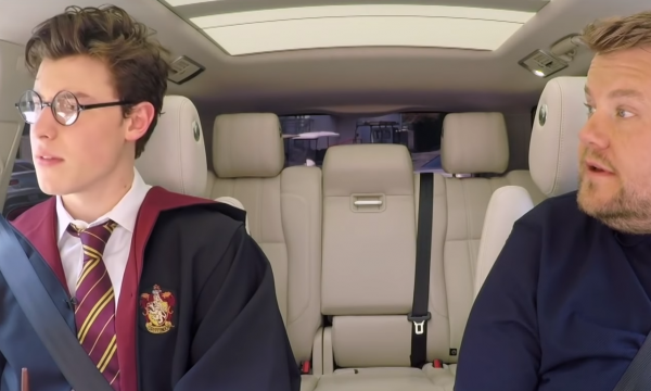 Shawn Mendes se transforma em Harry Potter e canta hits no 'Carpool Karaoke'; assista!