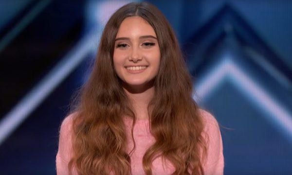 'AGT': Jovem arrasa muito em cover de Demi Lovato e família se emociona com decisão