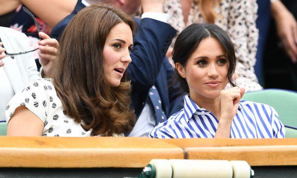 Meghan Markle comete gafe em look para torneio de tênis, destaca imprensa britânica