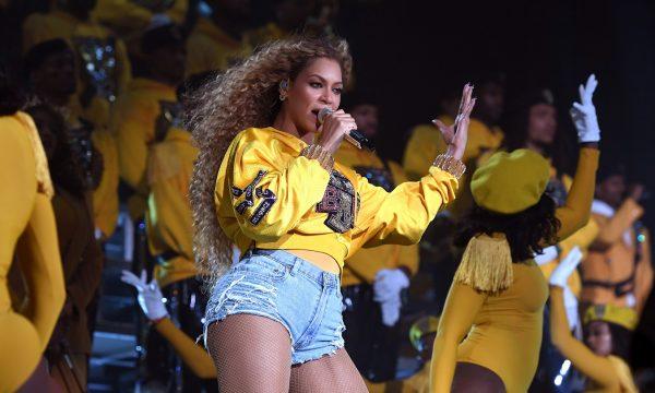 Beyoncé teria enviado presentes para menina que luta contra câncer: 'Para a minha sobrevivente'