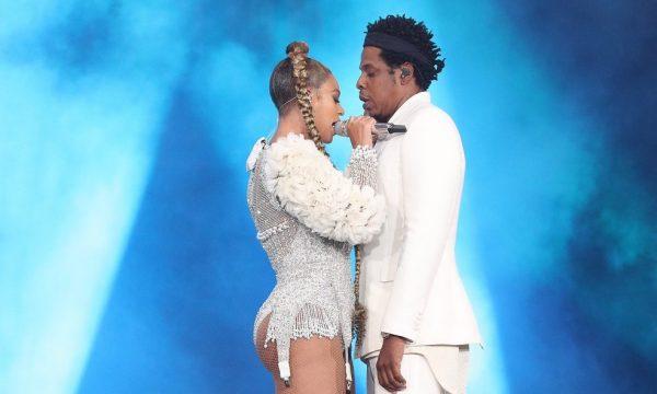 """Estreia! Beyoncé e Jay-Z fazem primeira performance da ótima """"Black Effect""""; vem ver"""