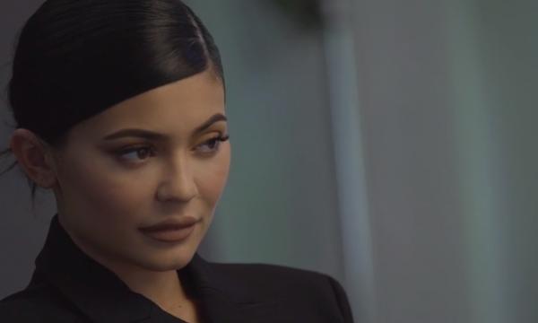 """Capa da 'Forbes' com Kylie Jenner é criticada nas redes sociais: """"Nascida com privilégios"""""""