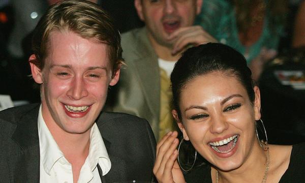 """Mila Kunis fala sobre namoro com Macaulay Culkin: """"Eu estraguei tudo"""""""