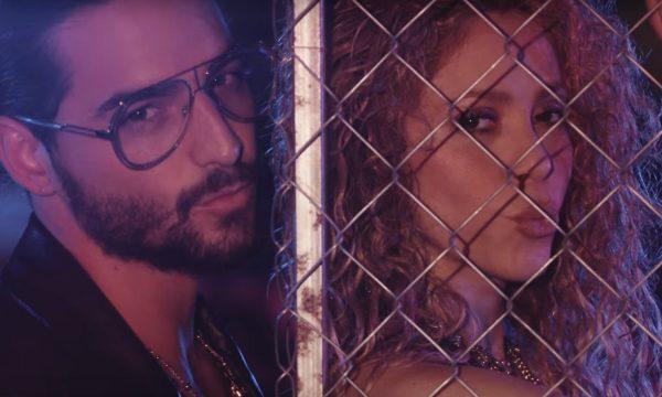 AMEI!!! Shakira e Maluma sensualizam muito no clipe do HINO 'Clandestino'; vem ver!