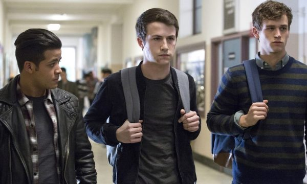 "Elenco de ""13 Reasons Why"" ganha super aumento no salário para a 3ª temporada!"