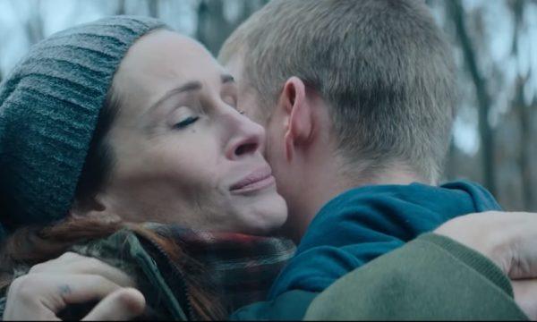 Julia Roberts luta para salvar filho das drogas no tenso e emocionante trailer de 'Ben is Back'; vem assistir