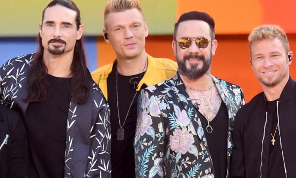 """Backstreet Boys cancela show após acidente com fãs: """"Rezando"""""""