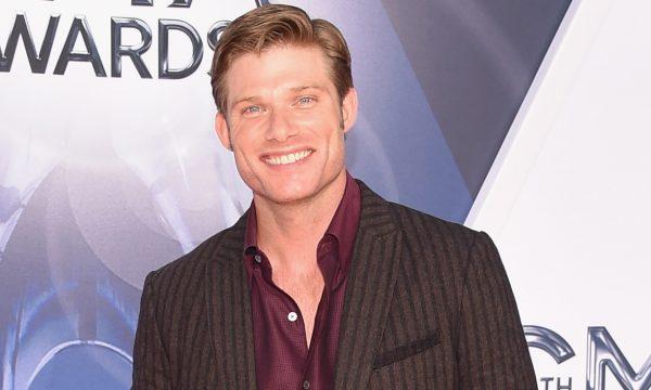 """""""Grey's Anatomy"""": Showrunner dá detalhes sobre personagem de Chris Carmack: """"Desafia expectativas"""""""