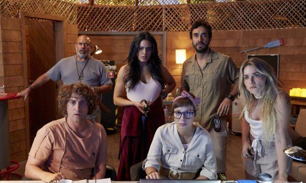 Exclusivo: Paulo Gustavo é milionário perdido em ilha deserta em trailer de série inédita; vem ver!