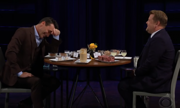 Vídeo: James Corden pergunta a John Hamm o tamanho de sua 'Hammaconda'; assista