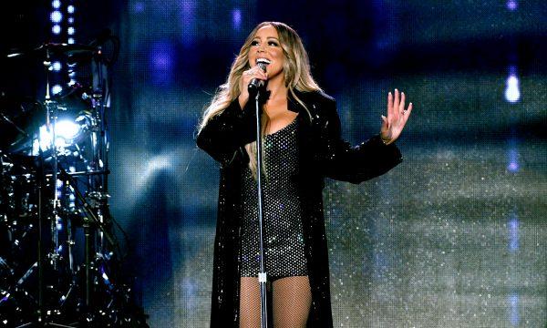 "Amamos! Mariah Carey lança a romântica ""With You""; vem ouvir!"