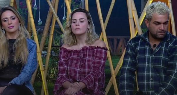 """Formação de Roça com discussões e ameaças ao vivo em 'A Fazenda': """"Não tenho medo de você"""""""