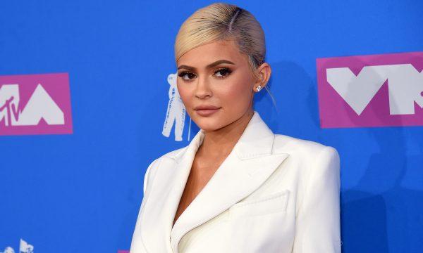 Kylie Jenner é processada por suposto plágio em sua linha de cosméticos