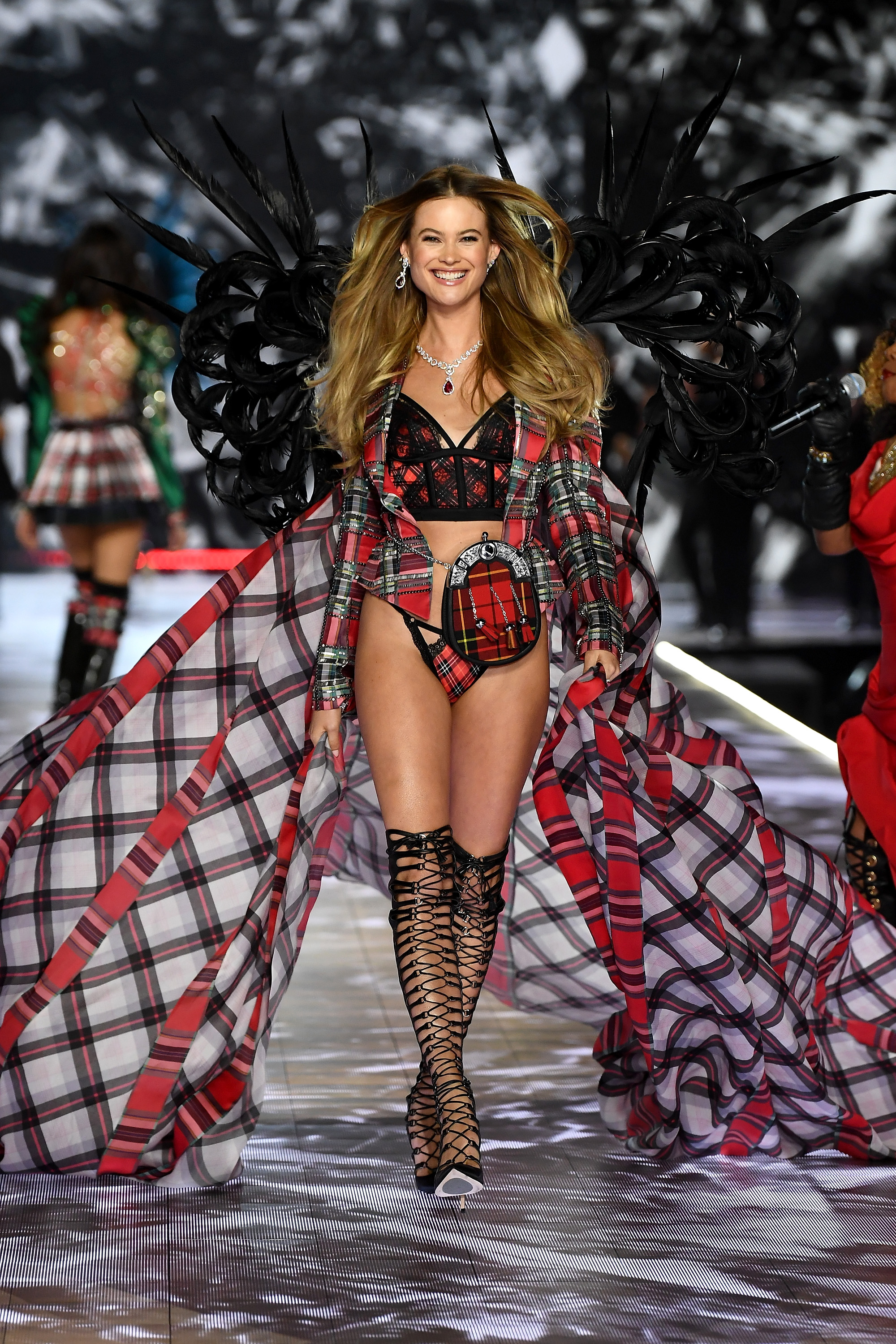 2018-victorias-secret-fashion-show-in-new-york-runway-7