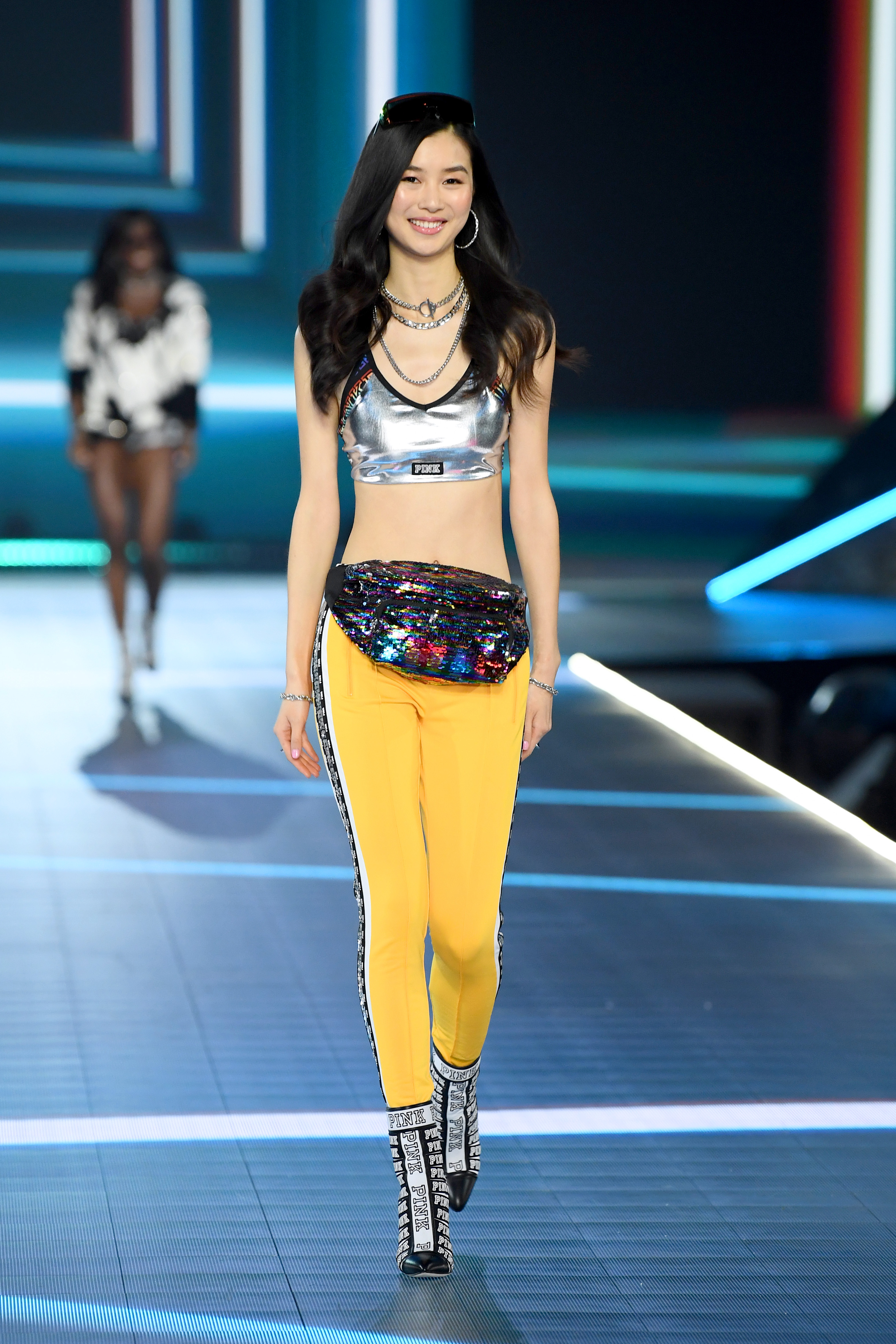 2018-victorias-secret-fashion-show-in-new-york-runway-13