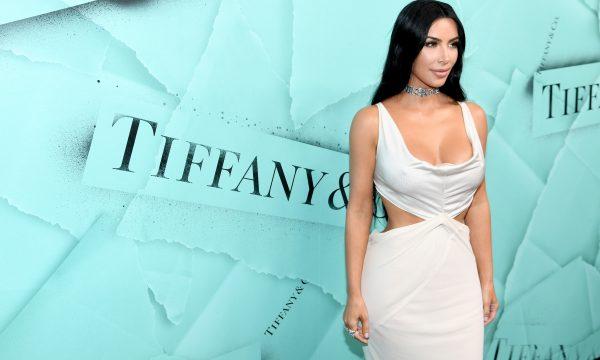Rapaz cita Kim Kardashian no currículo, consegue TRÊS entrevistas de emprego e chama a atenção da beldade!