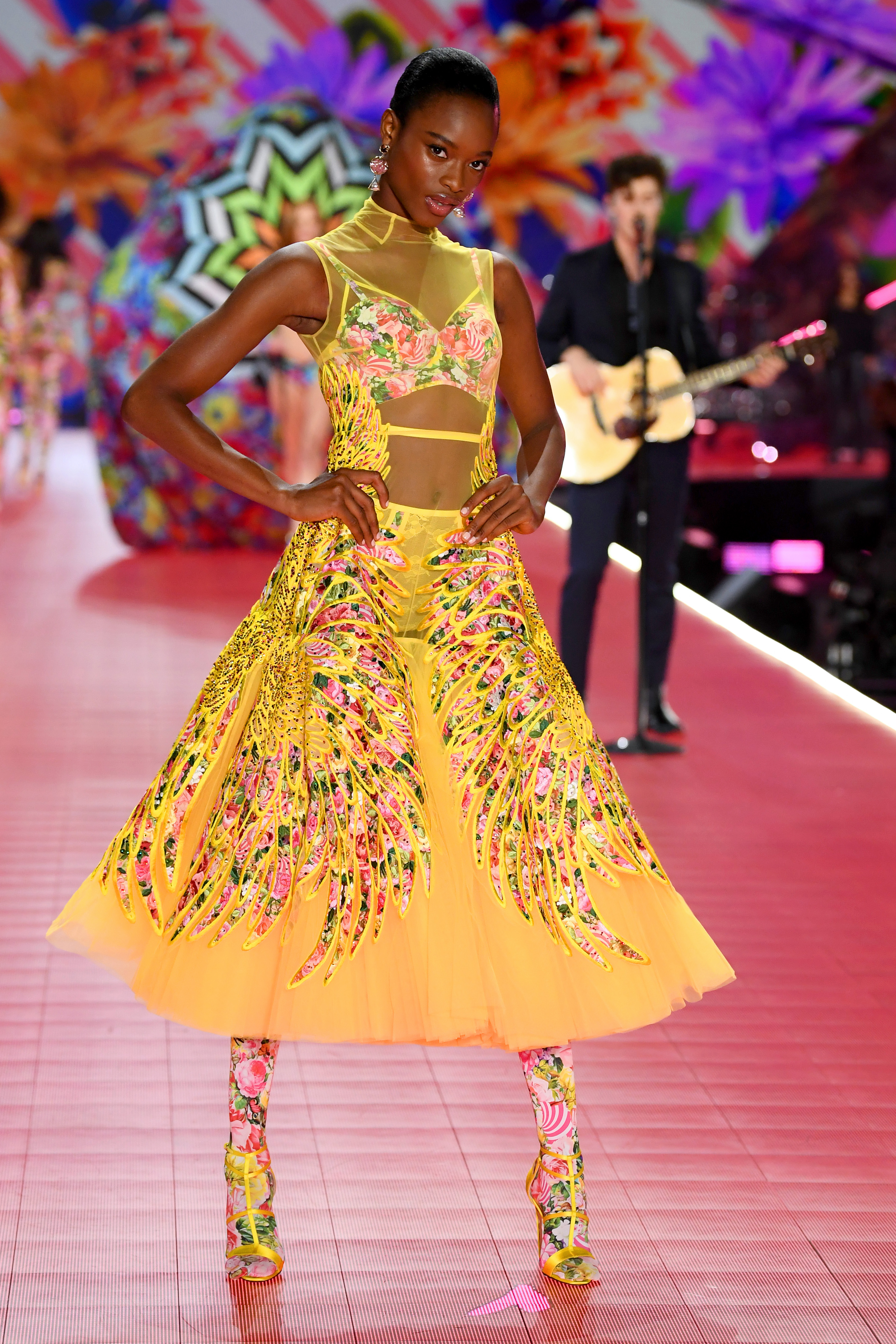 2018-victorias-secret-fashion-show-in-new-york-runway-37