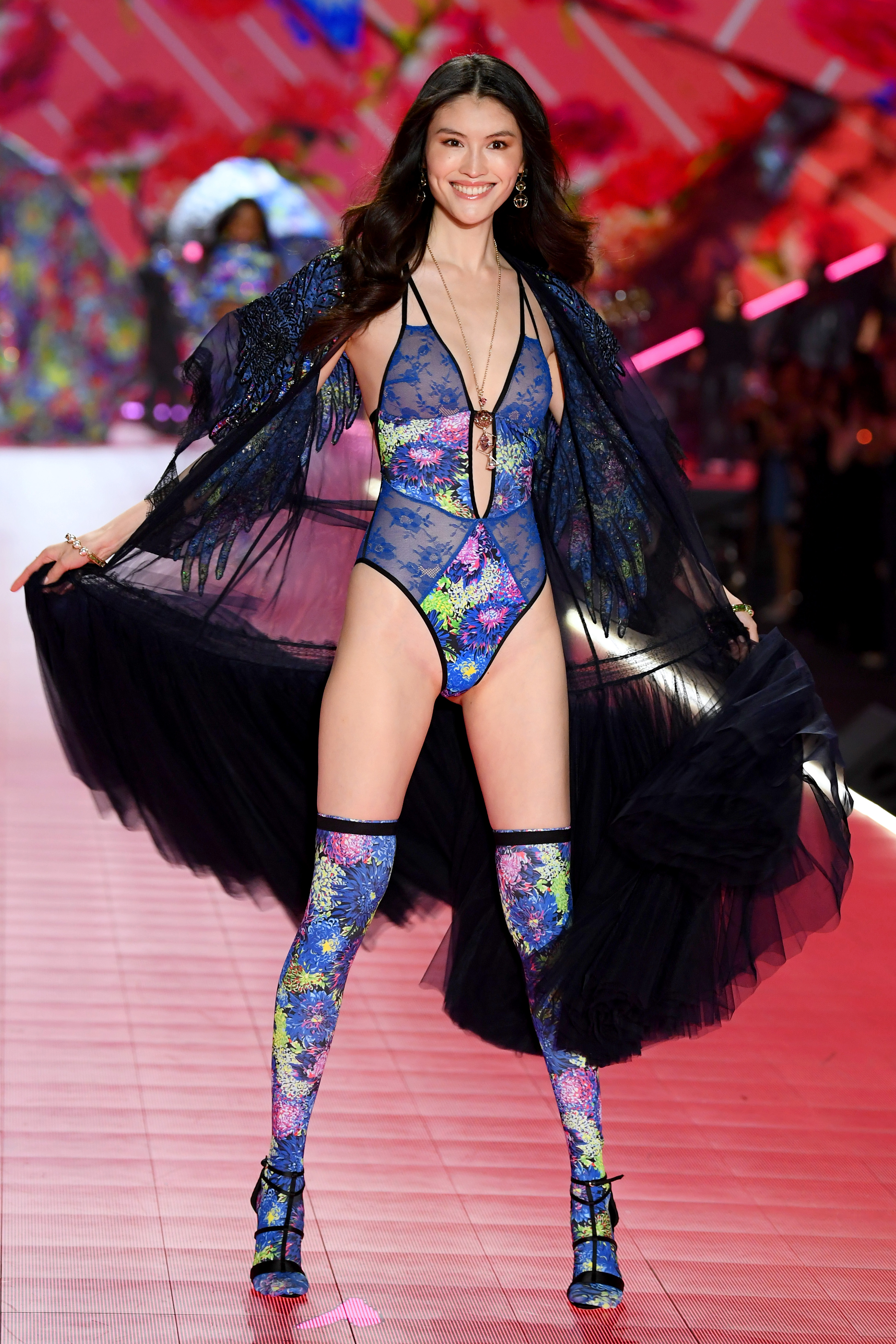 2018-victorias-secret-fashion-show-in-new-york-runway-45