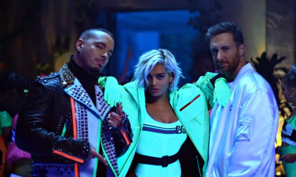 David Guetta reúne Bebe Rexha e J Balvin no clipe dançante e colorido da parceria 'Say My Name'; assista
