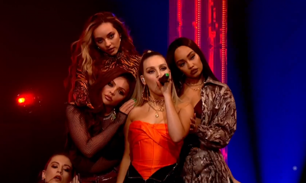 Amei! Little Mix faz primeira e PERFEITA performance na TV do novo e ótimo single 'Think About Us'; assista!